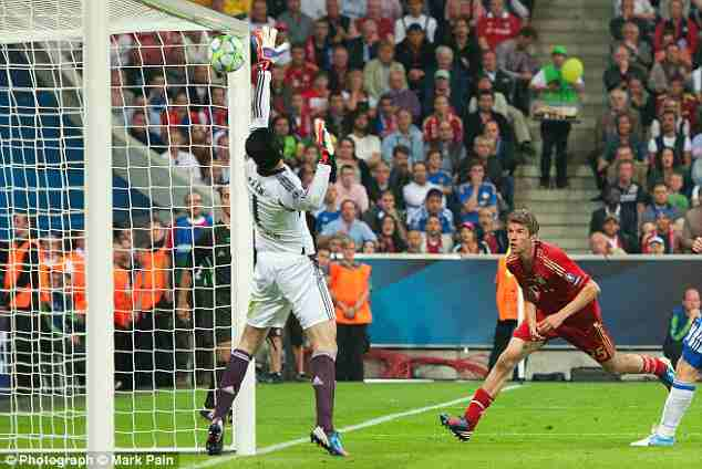 Thomas Muller header at 2012 Champions League Final against Chelsea - Znebs