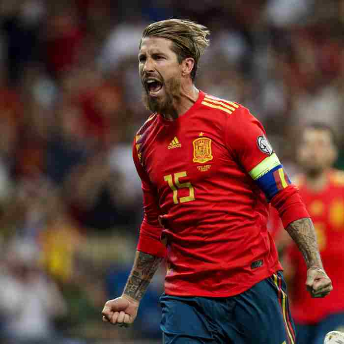 Sergio Ramos scores for Spain - Znebs